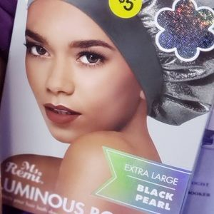 Luminous Black Pearl Bonnet